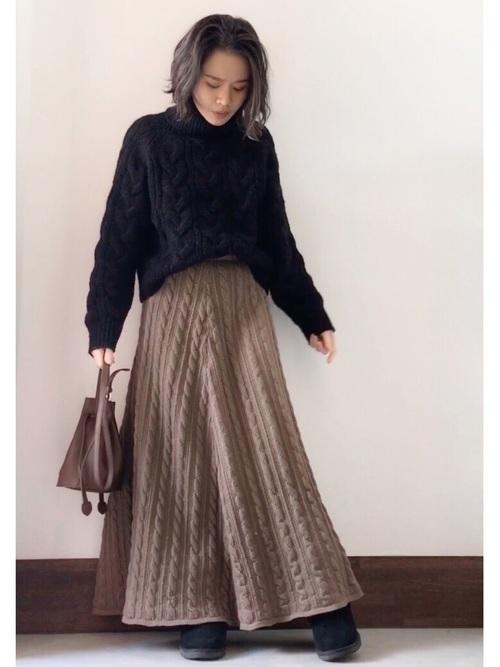 ムートンブーツ×ニットスカート