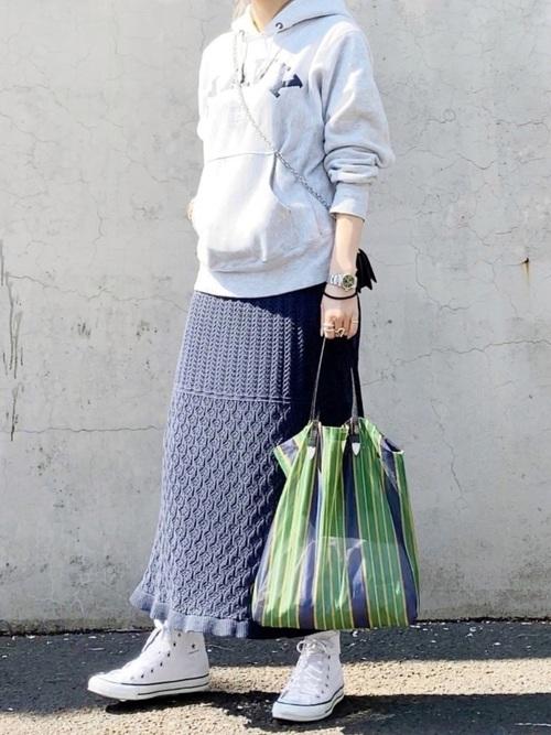 スウェット×スカートの30代プチプラコーデ