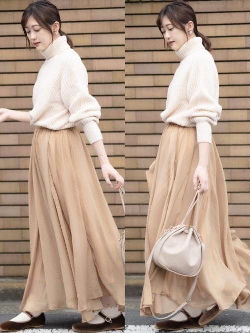 ホワイトセーター1
