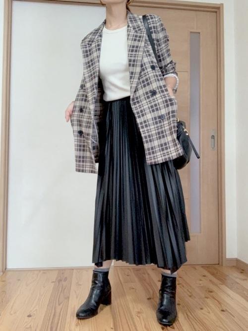 チェック柄ジャケット×スカートの冬コーデ