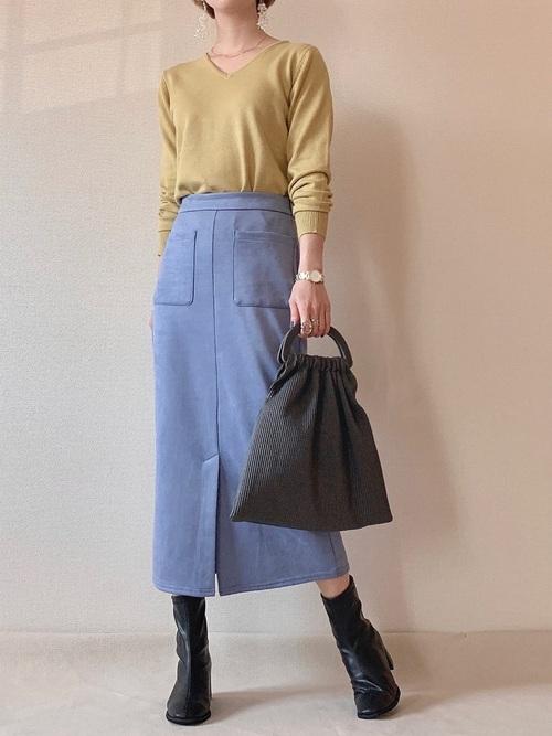 GUのスエードタッチナローミディスカート