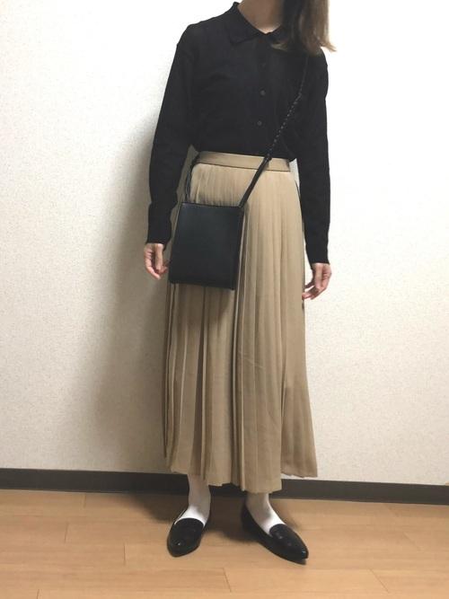 ユニクロベージュプリーツスカート