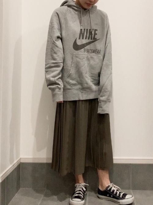 ユニクロカーキプリーツスカート