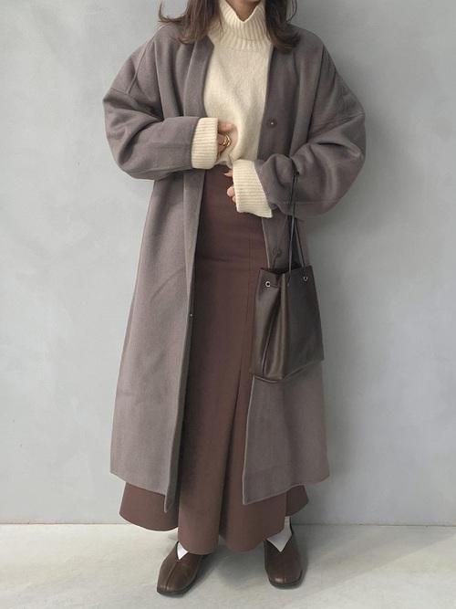 茶色ロングスカート×茶色パンプス