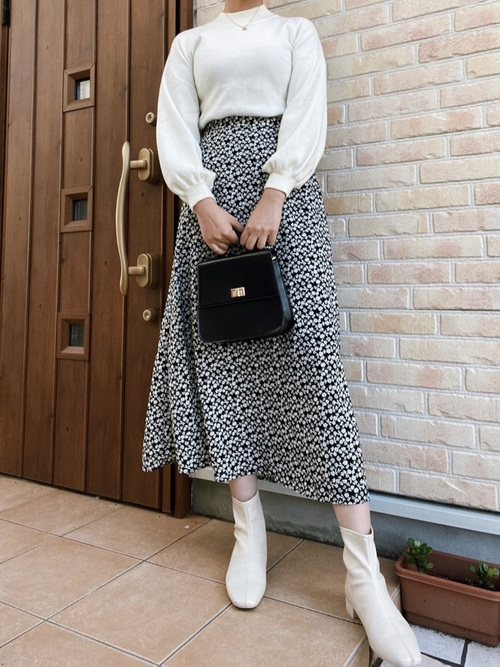 GU小花柄スカート