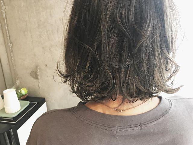 暗髪派さんにおすすめのオリーブカラーヘア