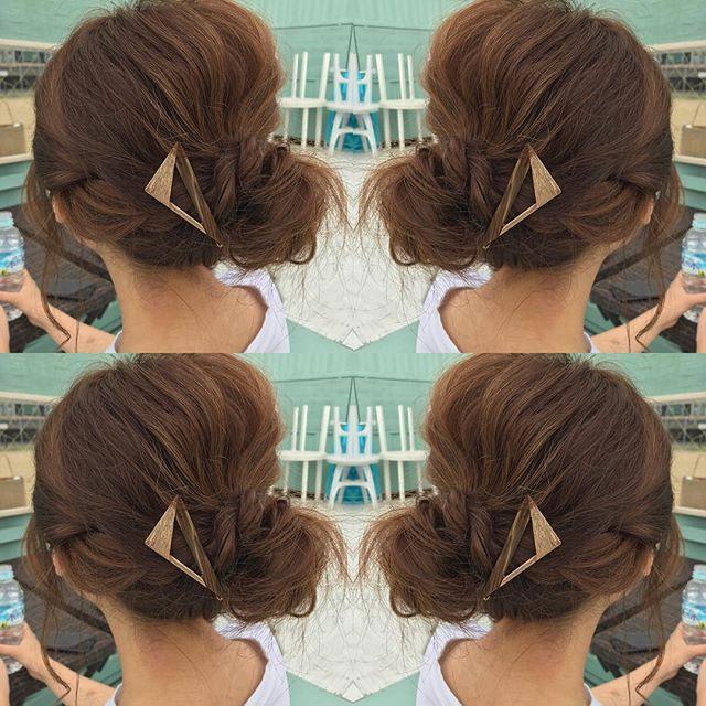 すっきりまとめ髪のお団子ヘアアレンジ