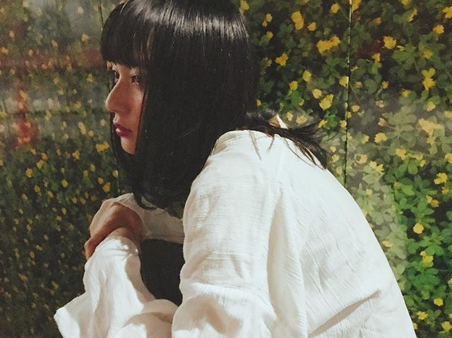 黒髪ぱっつんのストレートボブヘア