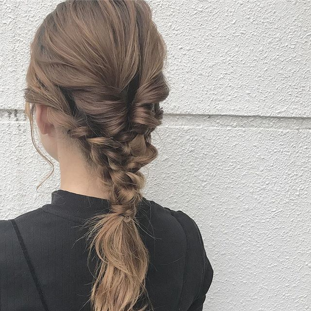ミディアム×きっちり感のあるまとめ髪