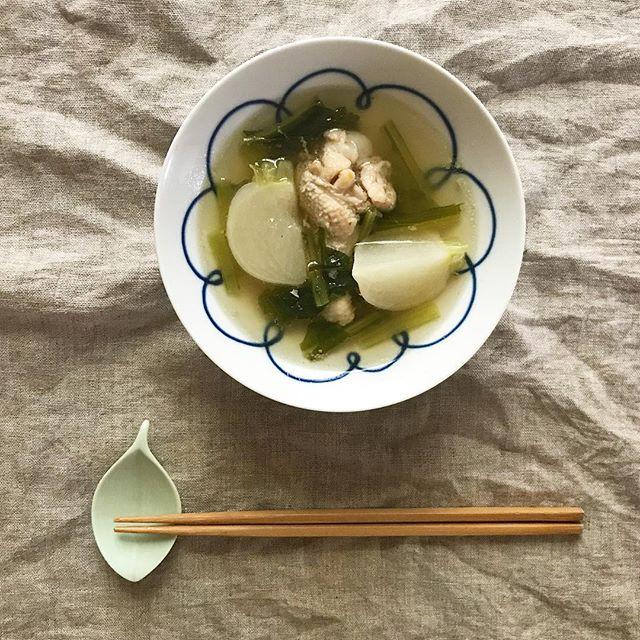 シンプルで簡単!かぶと手羽元のスープ