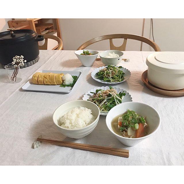 和食のテーブルセッティング