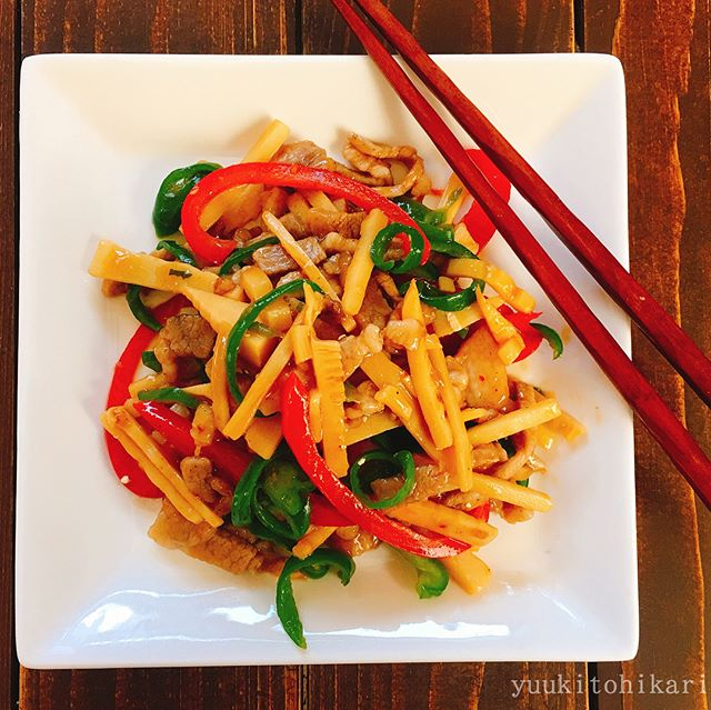 簡単に作る色鮮やかな青椒肉絲