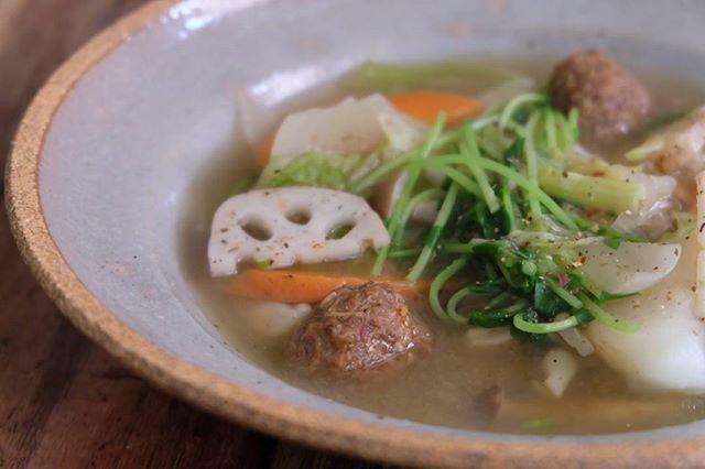 焼きそばに合うつみれと野菜のスープ