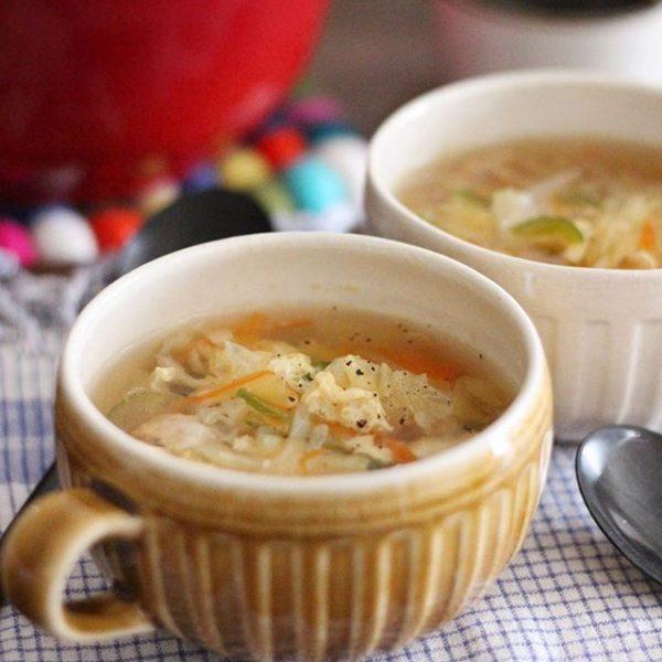 肉系パスタに♪野菜たっぷり卵スープ