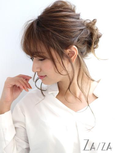 40代女性×後れ毛たっぷりこなれシニヨン