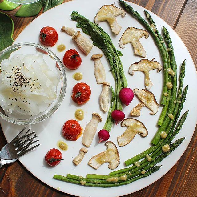 華やかに見える前菜。焼き野菜サラダ