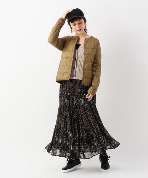 小花柄スカート×キャップ帽子の冬コーデ