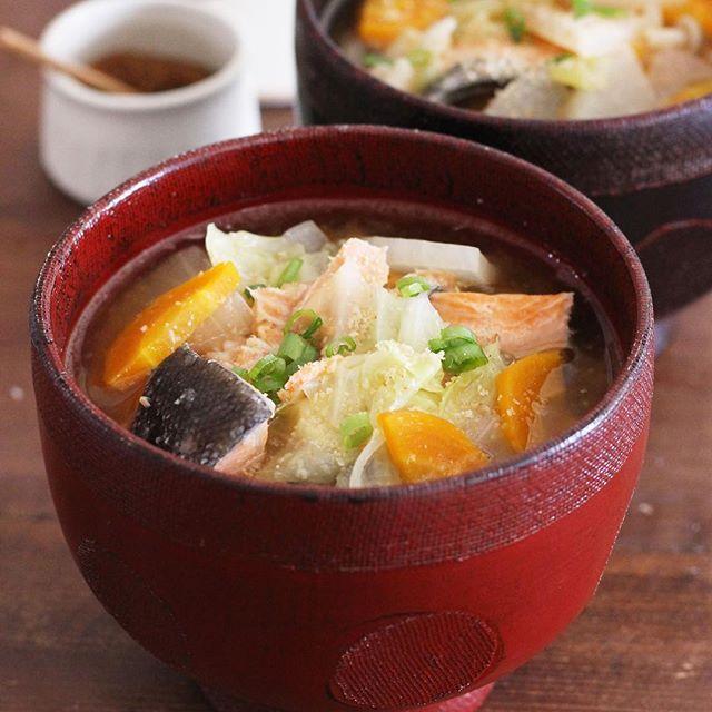 美味しい人気のスープ!鮭のあら汁