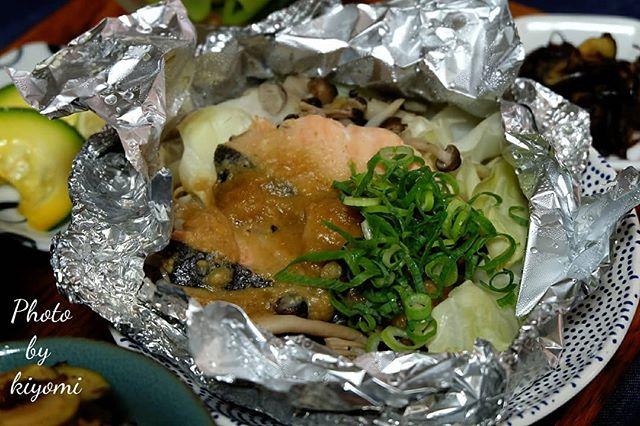 人気の魚で朝ごはん!鮭のホイル焼き