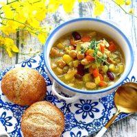 煮込みハンバーグに合う美味しいスープのレシピ特集!いつもの夕食にもう一品!