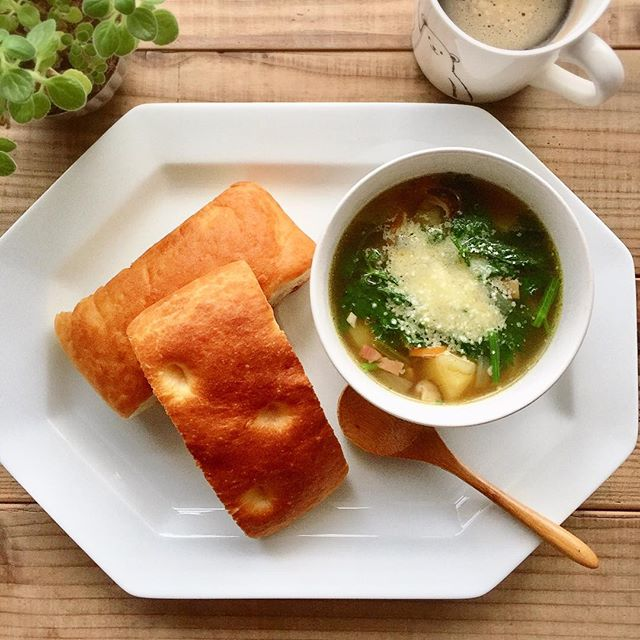 本格的な香り♪たっぷり野菜のスープ
