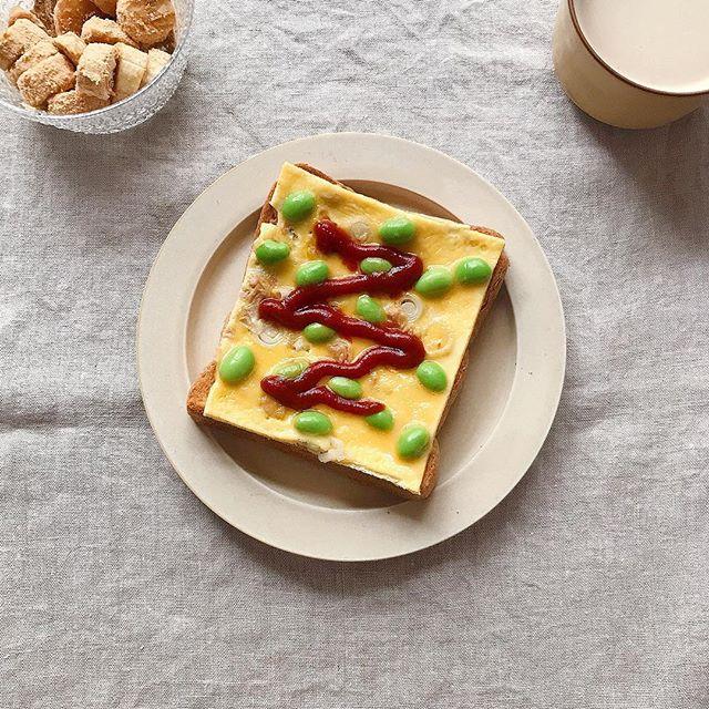 ツナと枝豆で♪見た目も可愛いオムレツトースト