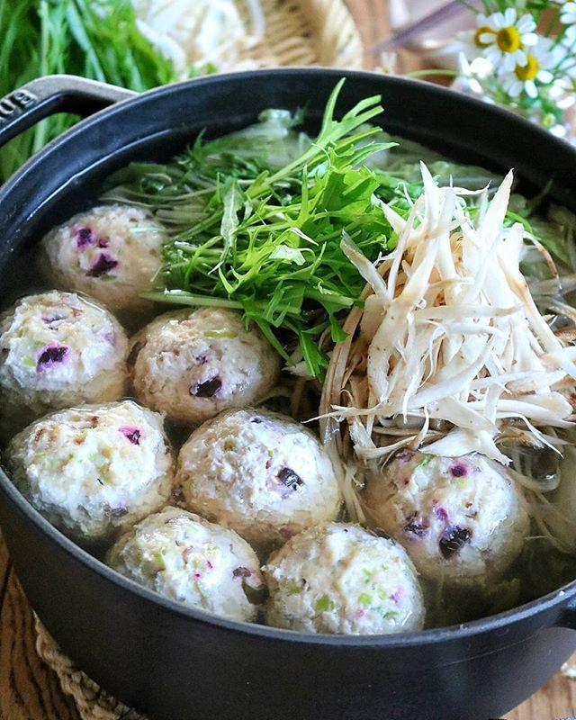 夜ご飯に。鶏団子と笹がきゴボウの大人鍋