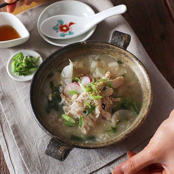 白ご飯で簡単に!鶏肉の旨味を味わう七草粥