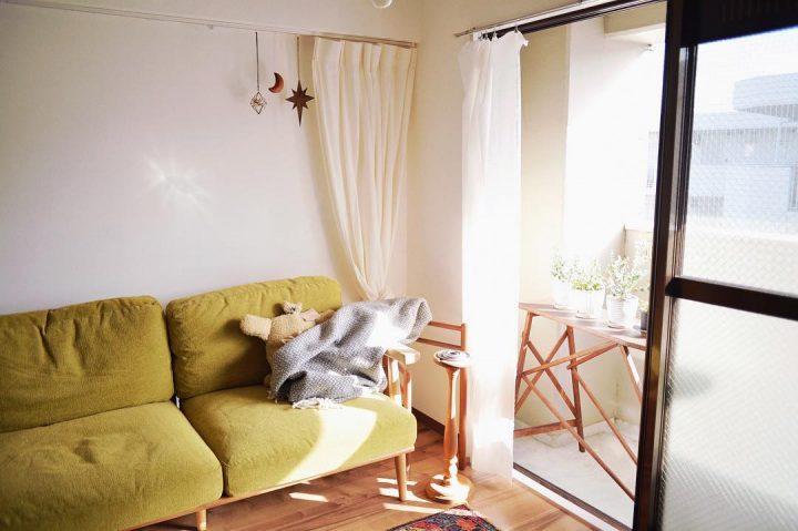 広めのソファでお昼寝する1