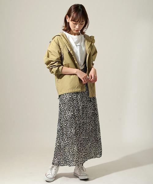 ボブヘアに似合うカジュアルな服装