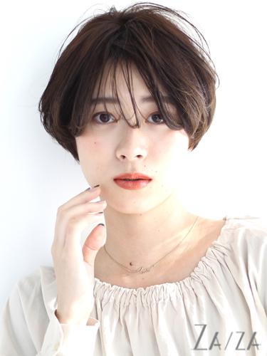 アンニュイな長め前髪×ショートカット