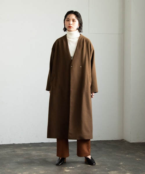 ショートヘアに似合う冬の服装|パンツ6