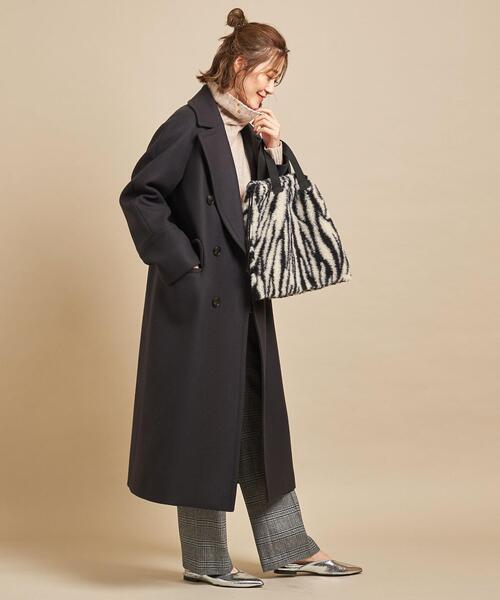 ショートヘアに似合う冬の服装|パンツ3