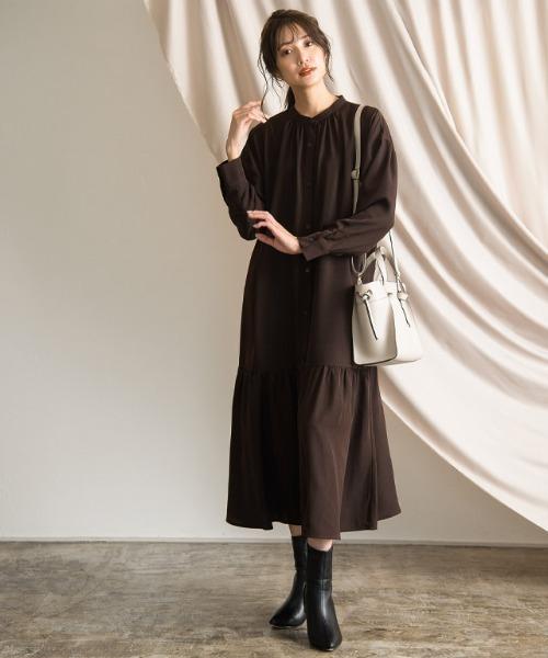 [Pierrot] ギャザー切替えノーカラーシャツワンピース