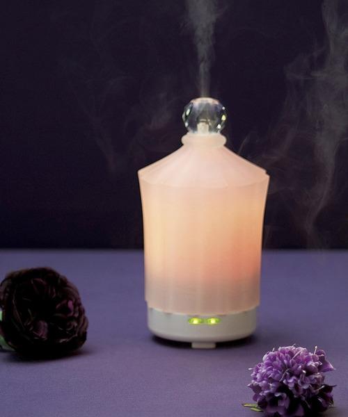 香水瓶を思わせる上品なアロマディフューザー