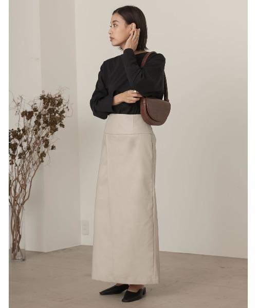 [近藤千尋さん着用][低身長向けSサイズ対応]ヴィーガンレザーラップ風タイトスカート2