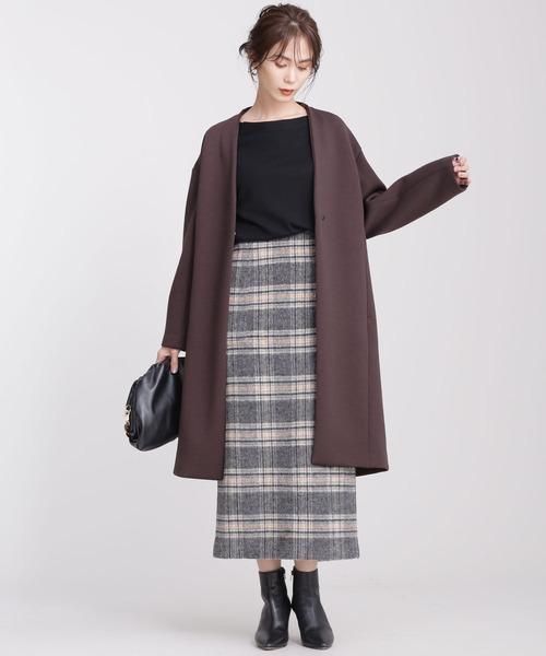 ノーカラーコート×チェックタイトスカート