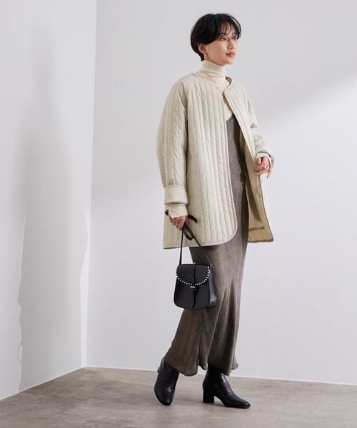 ショートヘアに似合う冬の服装|ワンピース3