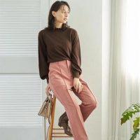 くすみピンクパンツコーデ【2020秋冬】大人女性らしい着こなし方をご紹介!