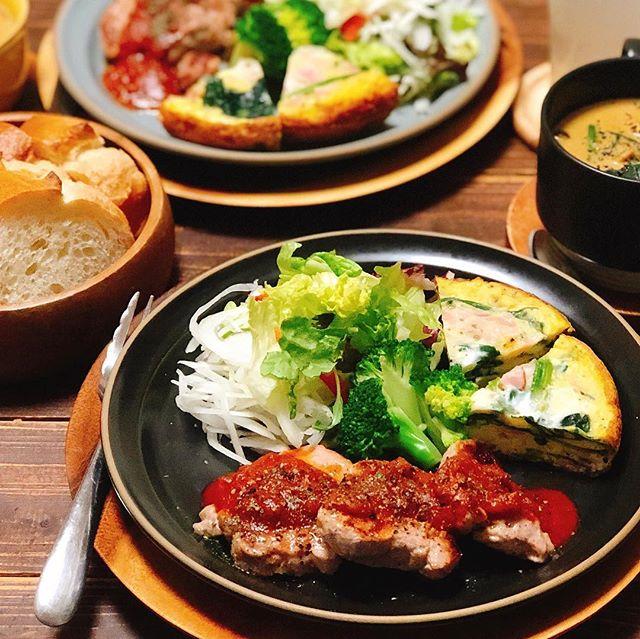 ディナーに豚ヒレ肉のソテートマトソース