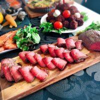 ローストビーフの盛り付けアイデア特集!大皿やプレートにきれいに飾るコツは?