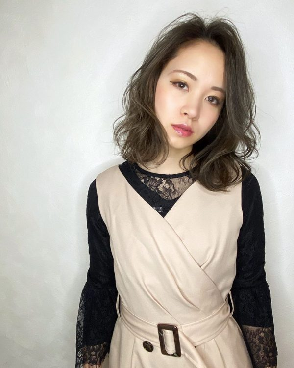寒色系で人気のヘアカラー【グレー】3