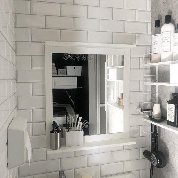 ホワイトを基調とした洗面所インテリア