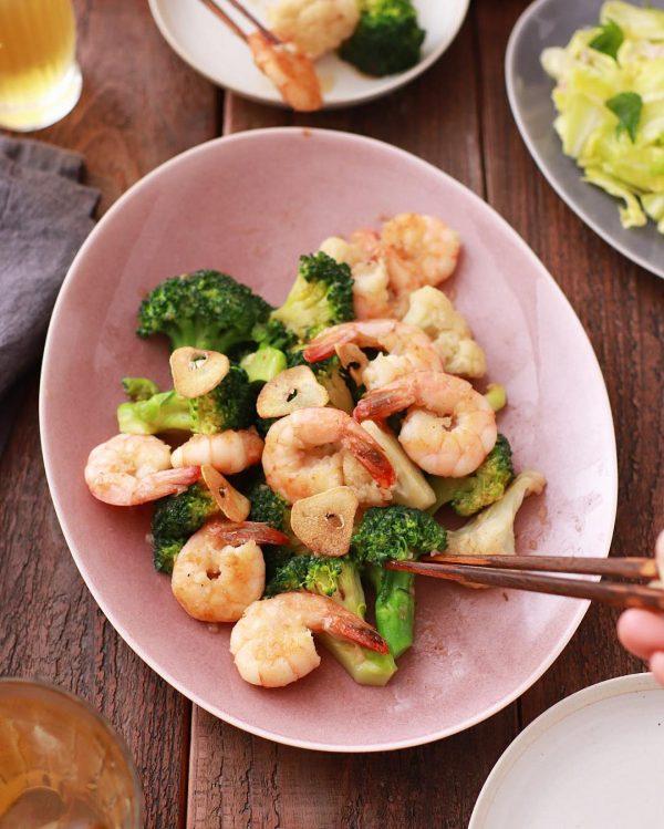 冬野菜ブロッコリーと海老のガーリック炒め