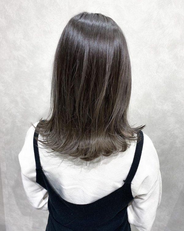 寒色系で人気のヘアカラー【グレージュ】4