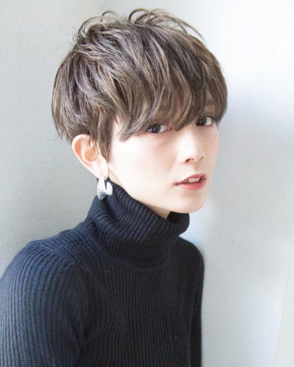 中性的な長め前髪×ショートカット