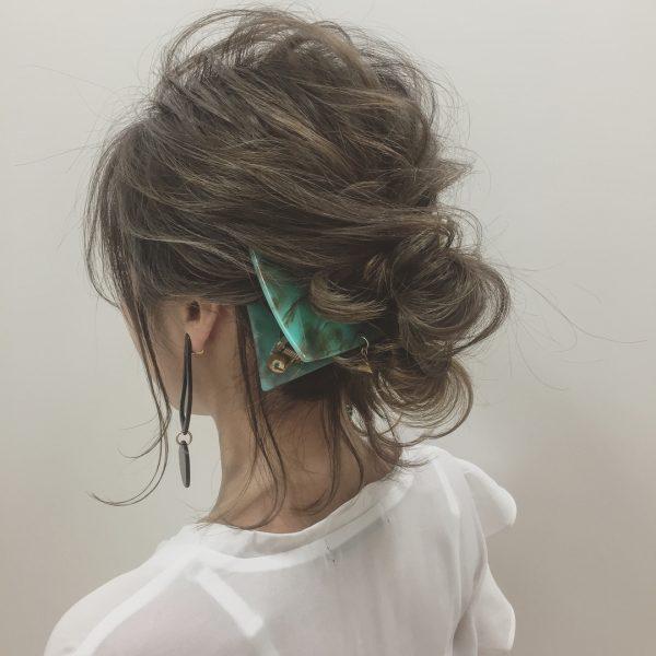 こなれ感のある後れ毛の出し方