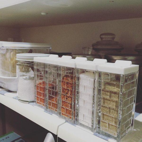 セリアのおしゃれなスパイス容器活用実例