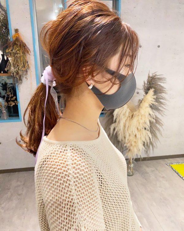 ルーズでこなれ感のある後れ毛の出し方