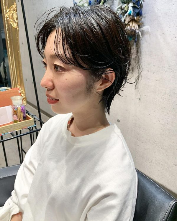 丸顔に似合うハンサムショートヘア15